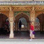 Manu in cortile Amber Palace