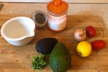 Come fare salsa guacamole con nachos