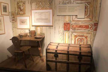 touriseum baule e tavolo locanda