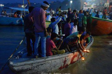 Ganga Aarti offerta preghiere