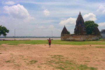 Vista templi assi ghat varanasi