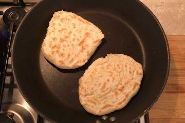 pane pita greco in cottura