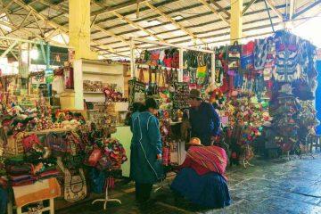mercato di cusco - bancarelle oggetti