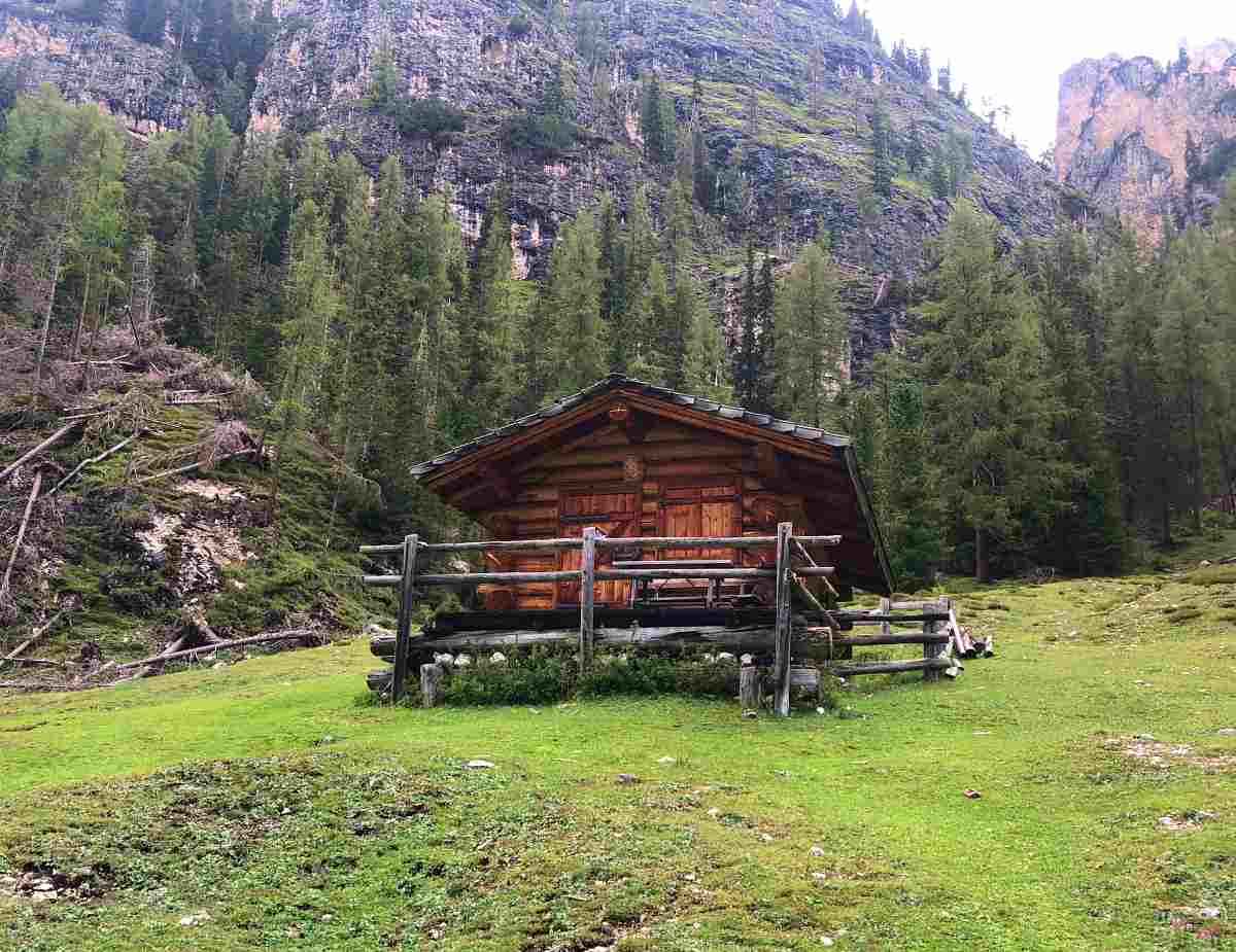 casera vecchia sentiero 19 lago di braies